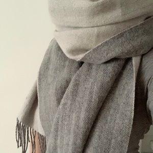 Club Monaco Wool Reversible Scarf Grey Herringbone